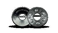 Sudraba monēta, kas izgatavota pēc seno latviešu rotu parauga